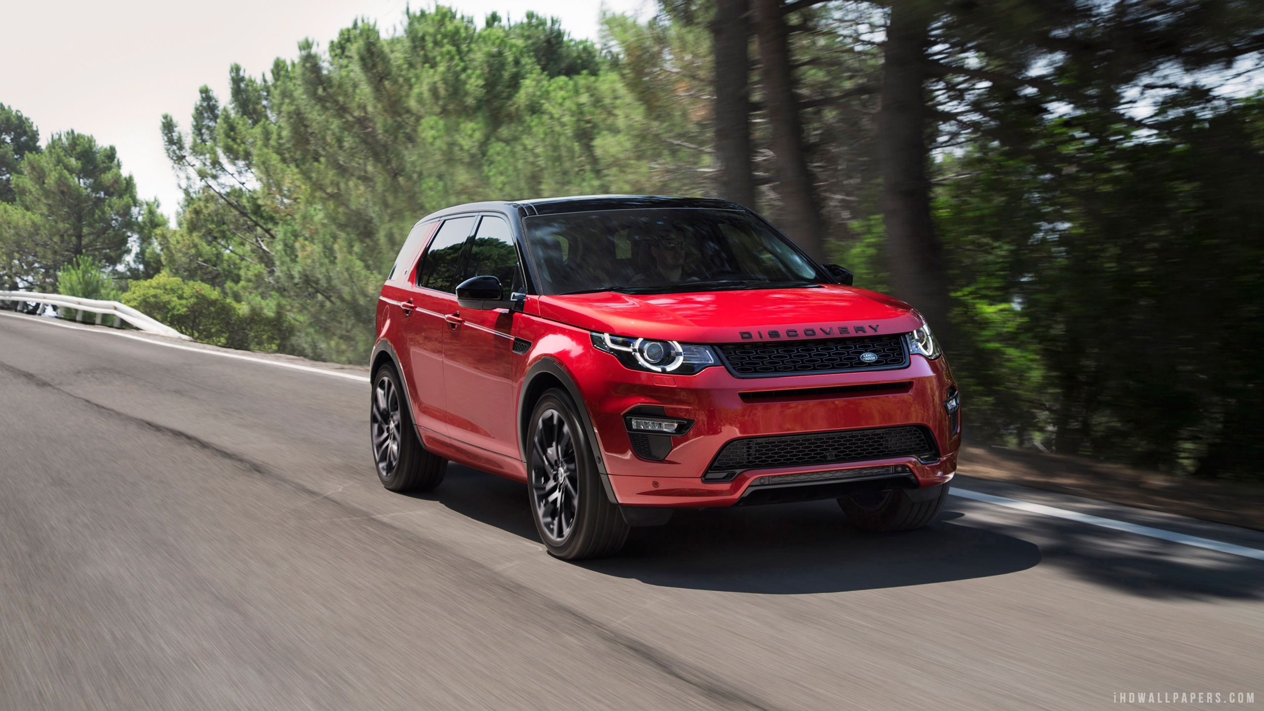Land Rover Discovery Sport 2020 red