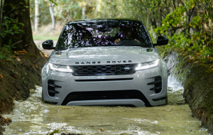 Land Rover Range Rover Sport 2020 Black Beautiful Wallpaper