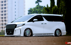 Toyota Alphard 2020 Blue Widescreen