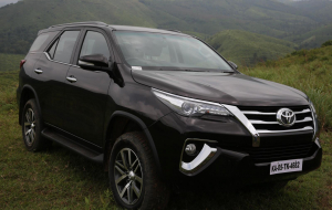Toyota Fortuner 2020 Black Pictures