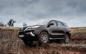 Toyota Fortuner 2020 Green Wallpapers HQ