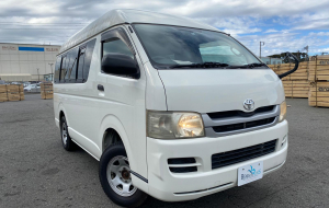 Toyota Hiace 2020 Green Full HD Wallpapers