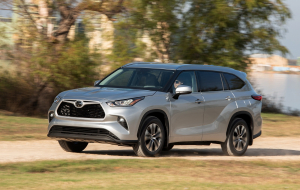 Toyota Highlander 2020 Blue Gallery