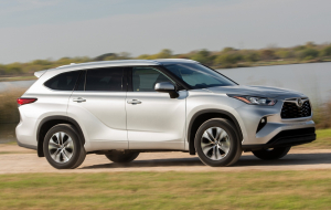 Toyota Highlander 2020 Blue Wallpapers Pack