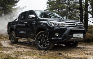 Toyota Hilux 2020 Green Wallpapers HD