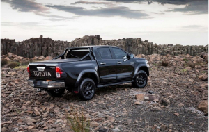 Toyota Hilux 2020 Green Wallpapers Pack