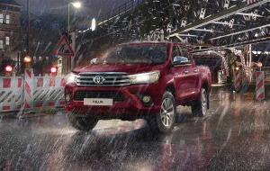 Toyota Hilux 2020 Red Photos