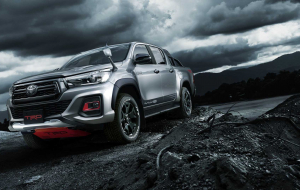 Toyota Hilux 2020 Silver Wallpapers HD