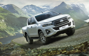 Toyota Hilux Hybrid 2020 High Resolution