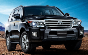 Toyota Land Cruiser 200 2020 Black 4K Wallpapers