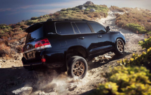 Toyota Land Cruiser 200 2020 Black Wallpapers For IPhone