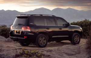 Toyota Land Cruiser 200 Hybrid 2020 Wallpapers For IPhone