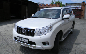 Toyota Land Cruiser Prado 2020 Silver Wallpaper
