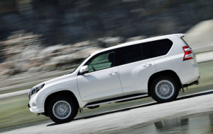 Toyota Land Cruiser Prado 2020 White Wallpaper