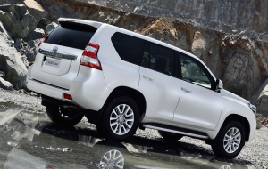 Toyota Land Cruiser Prado 2020 White Wallpapers Pack