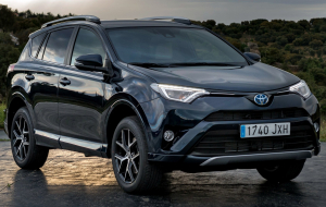 Toyota RAV4 2020 Silver Wallpapers Pack