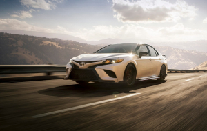 Toyota Camry 2020 Green In HQ