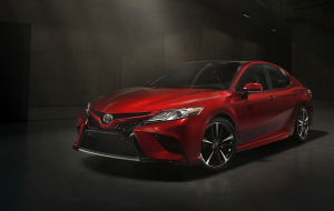 Toyota Camry 2020 Red High Resolution