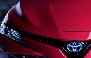 Toyota Camry 2020 Red Widescreen