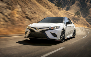 Toyota Camry 2020 Silver High Resolution
