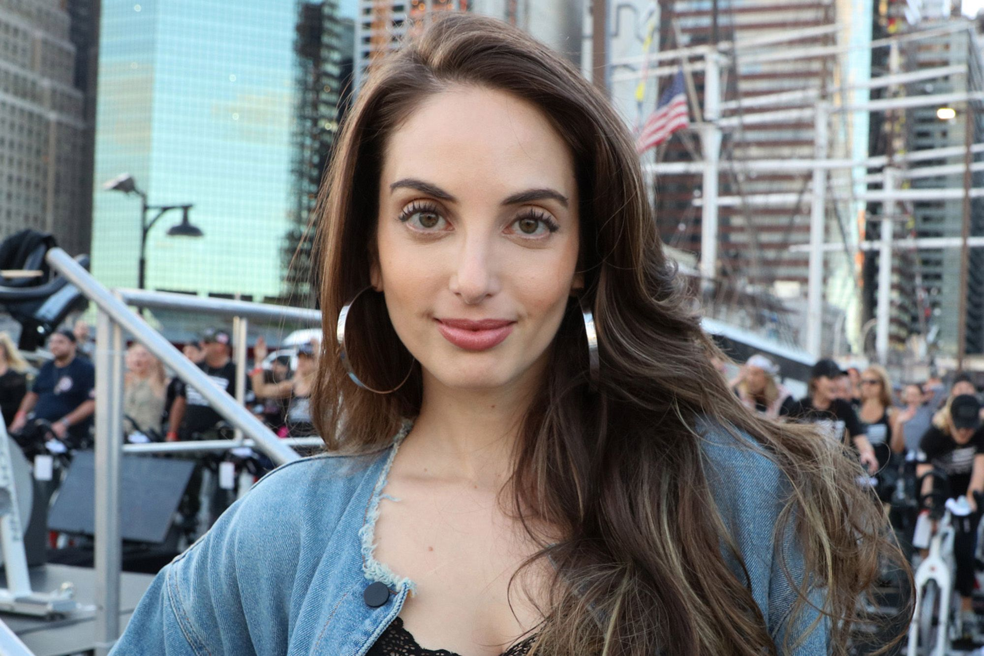 Alexa Ray In HQ