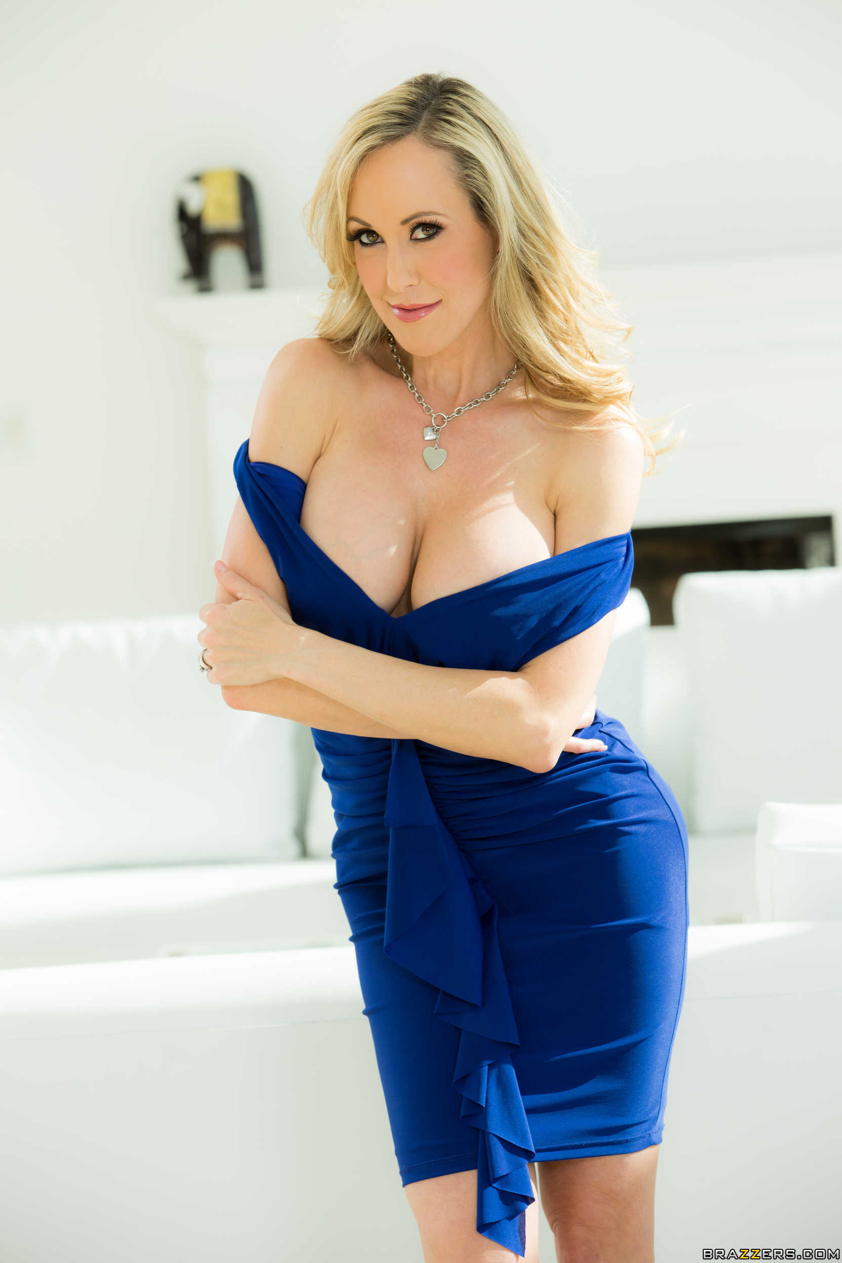 Brandi Love Wallpapers For IPhone